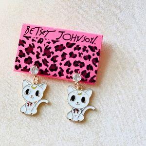 NWT Cute distinctive kitty earrings Betsey Johnson